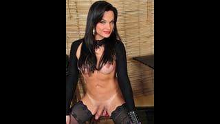 Natasha Rusthy Nuda Con Il Cazzo Duro