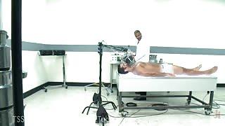 Esperimenti su uomo bionico!