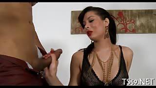 Bella trans brasiliana ha voglia di cazzo!