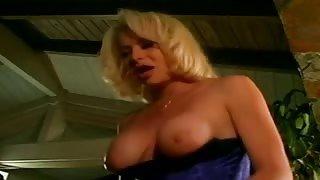 TS Gia Darling e il suo giovane ragazzo fanno sesso!