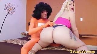 Trans culona Lexi Beth si prende il cazzone di Ramon!