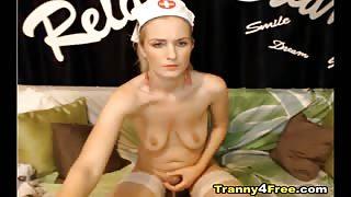 Infermiera trans si sega in live cam