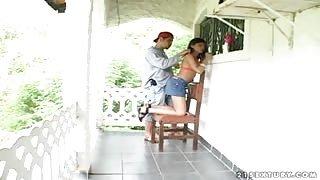 TS Aline Fontinelly molestata mentre fa le pulizie!