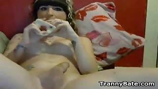 Esibizionista Tgirl Kelly Clare si masturba in live cam...